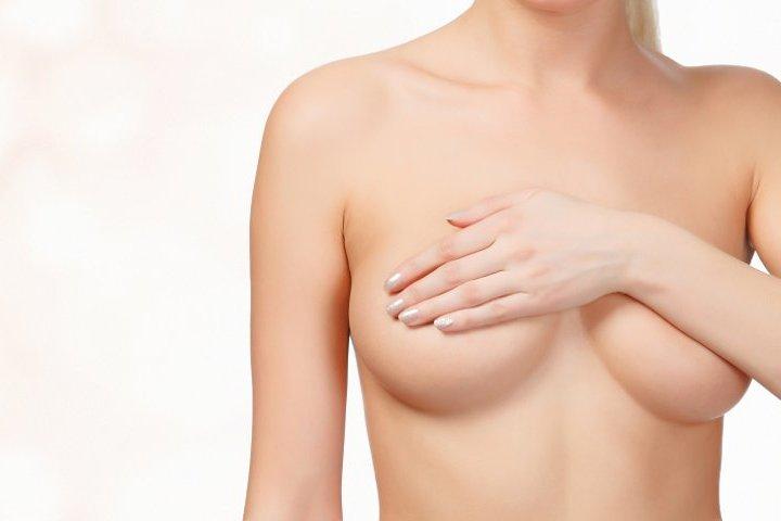 Galerien hängenden Brüste